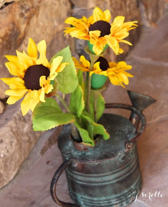 diy egg sunflower centerpiece_jsorelle