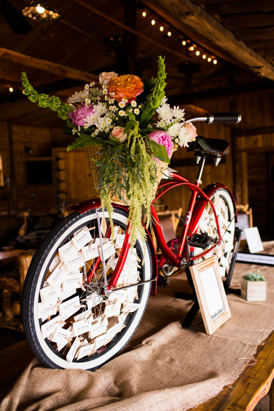 INphotography-cruiser bike escort card table