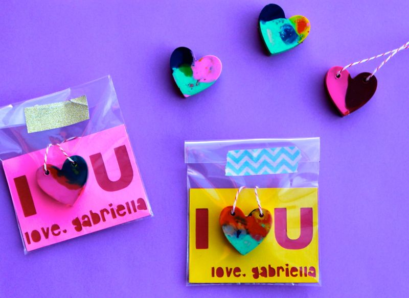 heart-necklace-crayon-crayola-valentines-diy