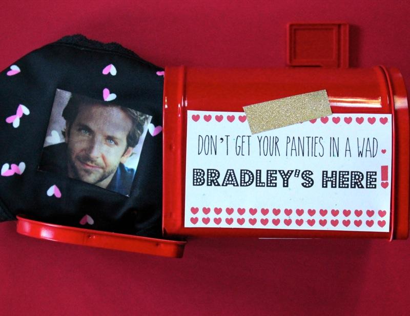 mailbox-red-bradley-cooper-heart-underwear-panty-valentine-gift-DIY