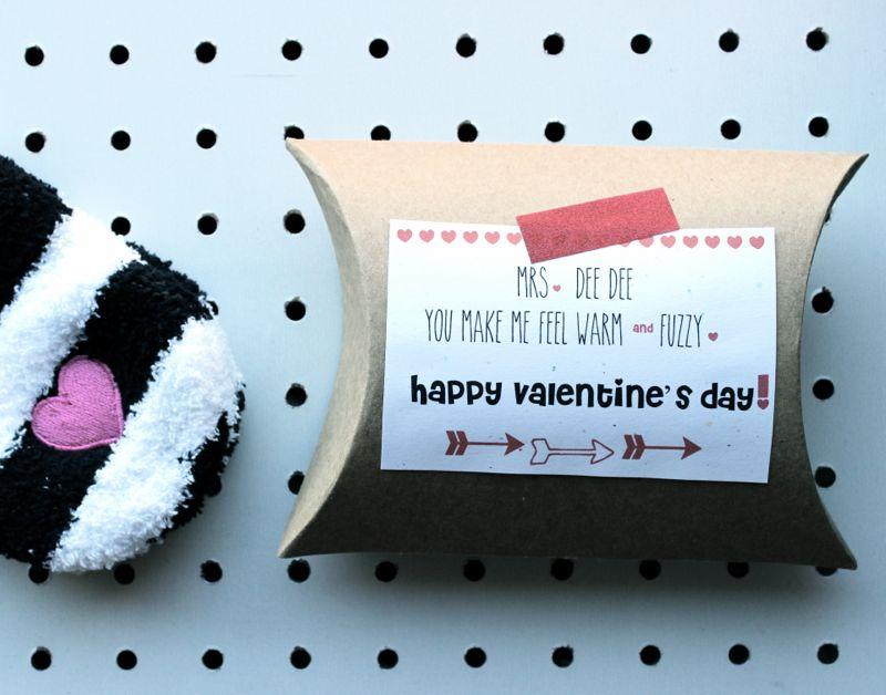 valentine-socks-slippers-kids-stripes-heart-diy