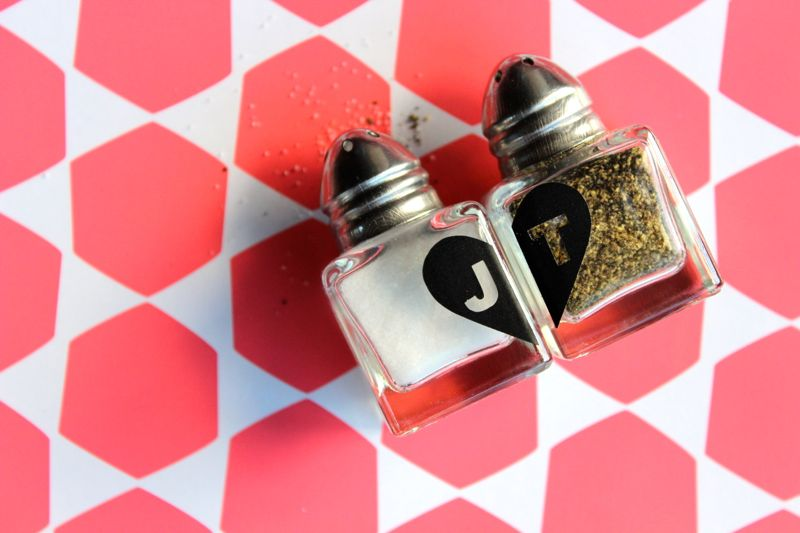 salt-pepper-kitchen-heart-initials-valentine-kitchen-diy-love-hostess-gift