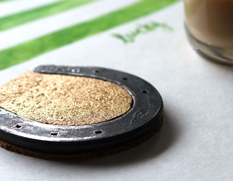 gold-lucky-horseshoe-coasters-green-diy-lucky