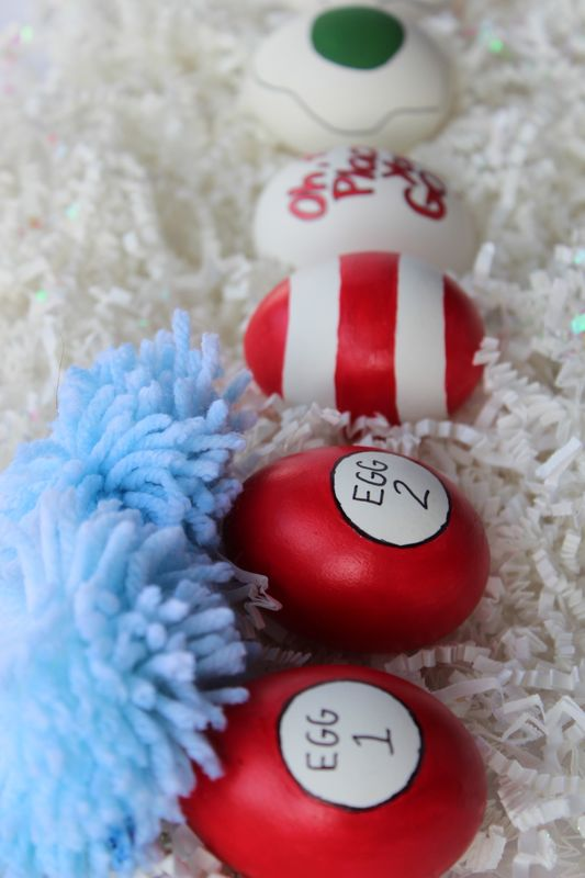 drseuss-easter-eggs-thing1-thing2-red-stripes-diy-paint
