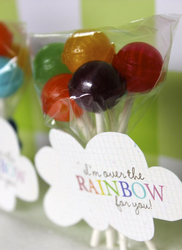 rainbow-stpatricksday-diy-balloon-pops-dumdumpops