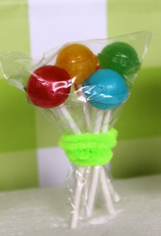 diy-dumdumpops-balloons-toddler-stpattysday