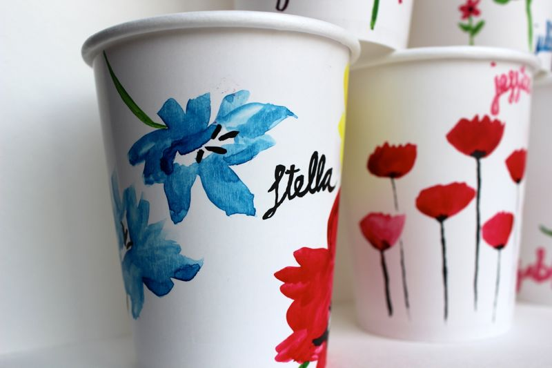 watercolor-spring-cups-poppy-flowers-easter-brunch-table-setting-place-cards-diy-paint