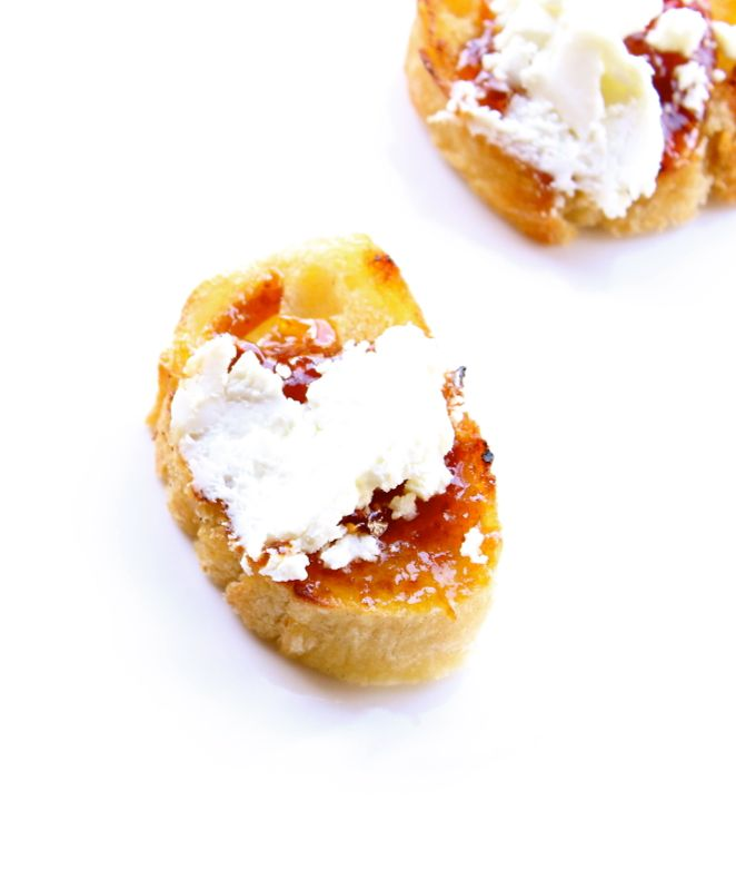 goat cheese-fig-bread-appetizer