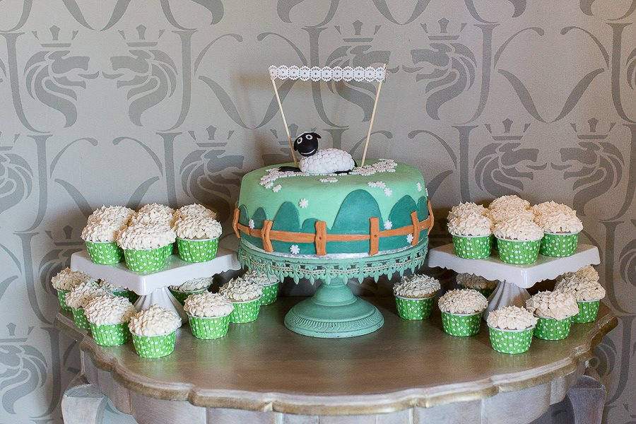 sheep-cake-cupcakes-baby-shower-dessert