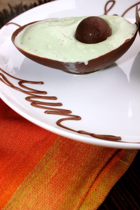 avocado-ice-cream-balloon-dessert-diy-mexican-pistacio-chocolate-bowl