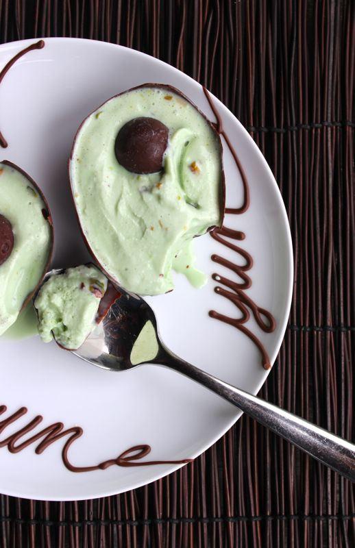 avocado-ice-cream-balloon-dessert-diy-mexican-pistacio-chocolate-bowl