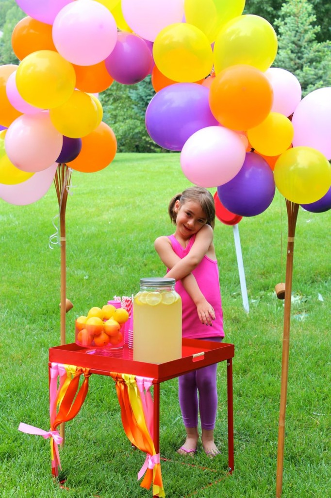balloon-arch-helium-lemonade-stand-diy-big-hero-6-party-lemon-pink-purple-yellow