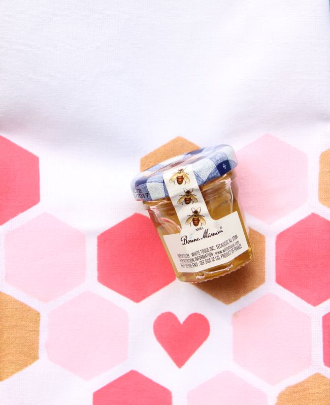honeycomb-napkins-pink-gold-white-honey-bee-summer-diy