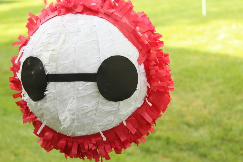 baymax-big-hero-6-diy-pinata-kids-birthday-party