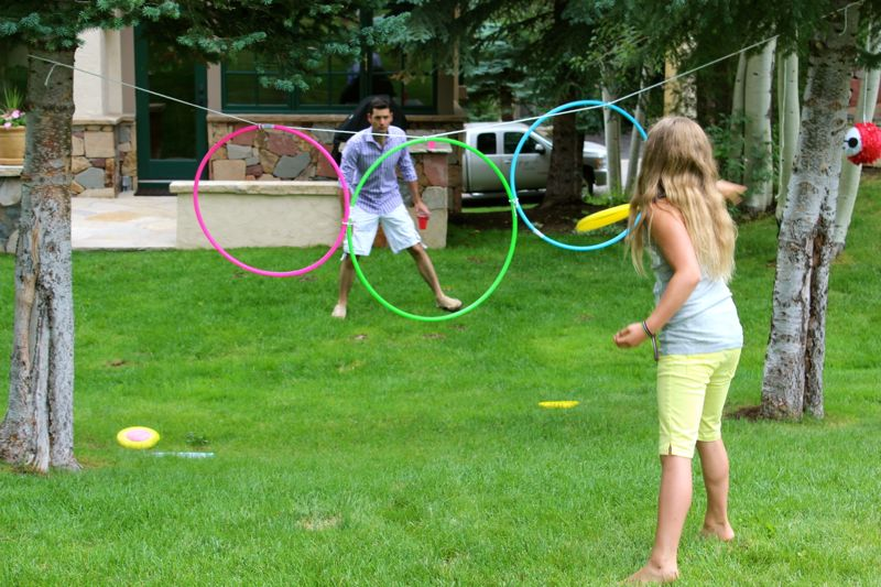hoola-hoop-frisbee-toss-kids-game-big-hero-6-party