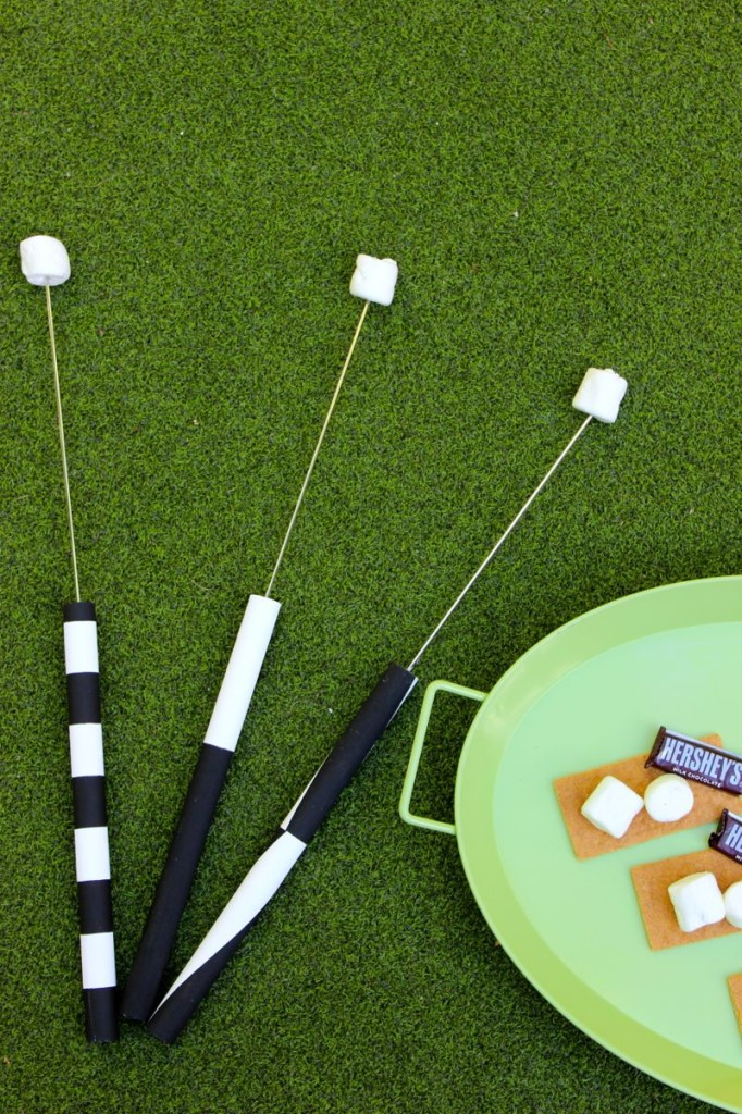diy-marshmallow-roasting-stick-black-and-white-diy-smore-stick