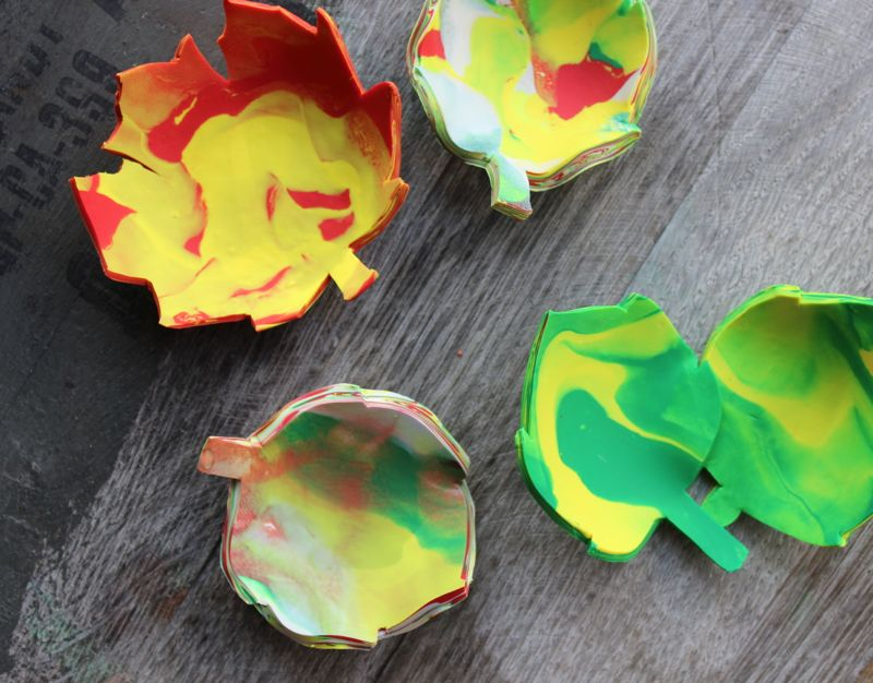 red-yellow-green-clay-marbled-leaf-ring-bowls-fall-diy