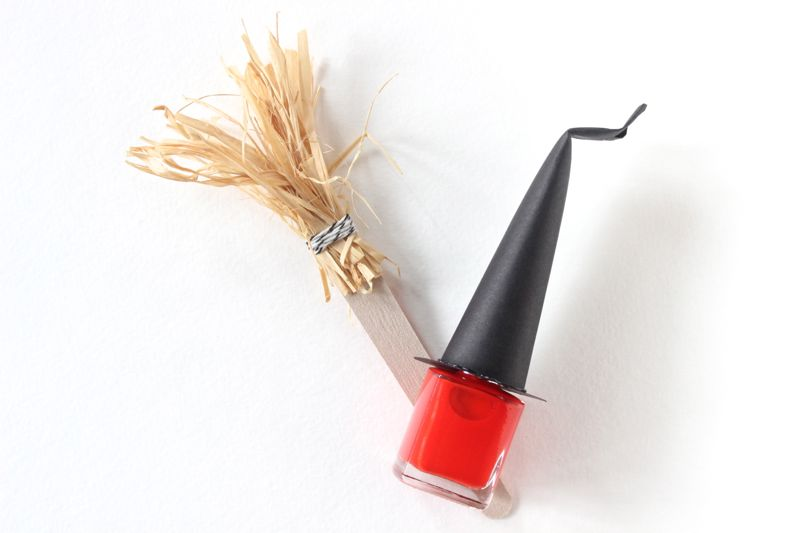 witch-nail-polish-diy-halloween-gift-black-hat-orange-nail-file-broom-favor