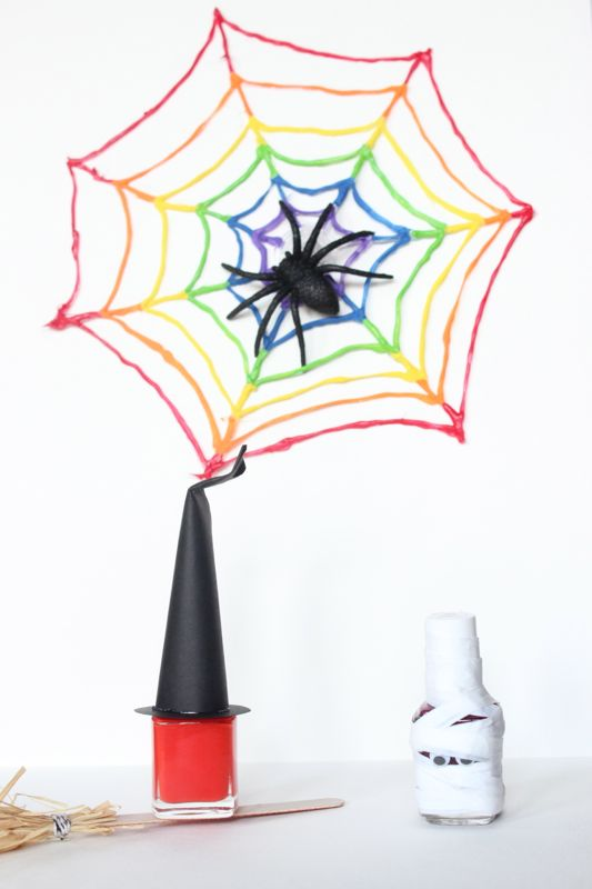 halloween-nail-polish-favor-witch-broom-mummy-spider-web-rainbow-hat-white-party-diy