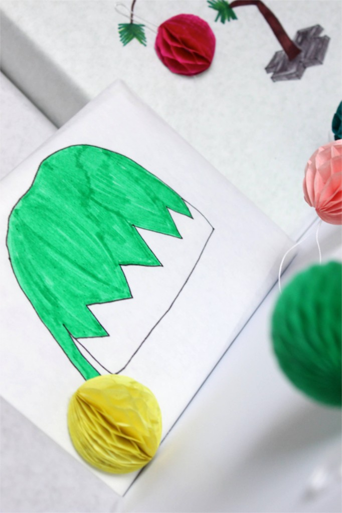 diy-elf-hat-wrapping-paper-christmas-diy-honeycomb-ball