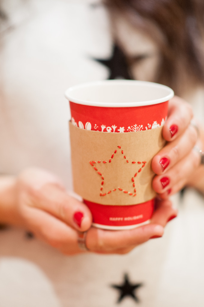 red-coffee-cup-star-coffee-sleeve-holiday-cheer-star