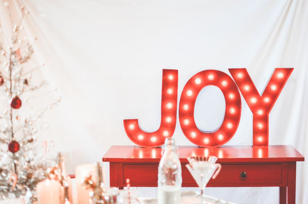 joy-marquee-light-red-white-christmas-party