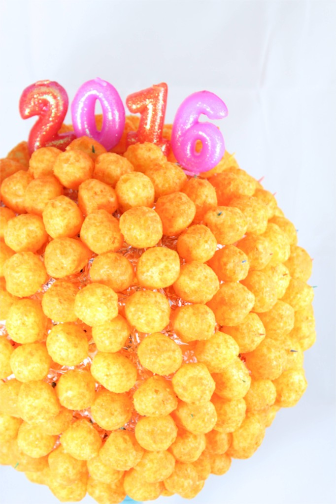 nye-diy-ball-drop-new-years-eve-cheese-ball-kids-party