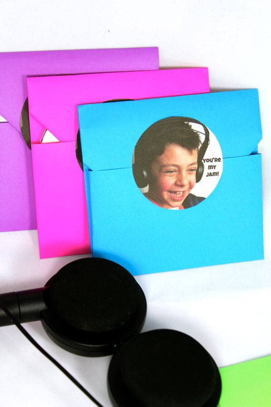 cd-your-my-jam-diy-music-cd-valentine-boy-headphones