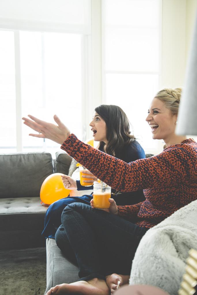 balloons-ladies-watching-football