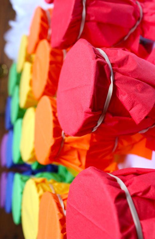 rainbow-red-orange-yellow-green-blue-purple-napkins