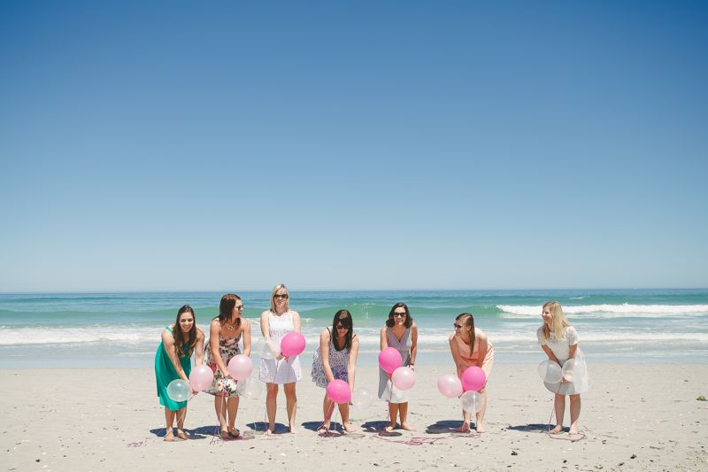 bachelorette-party-beach-fun-balloon-release