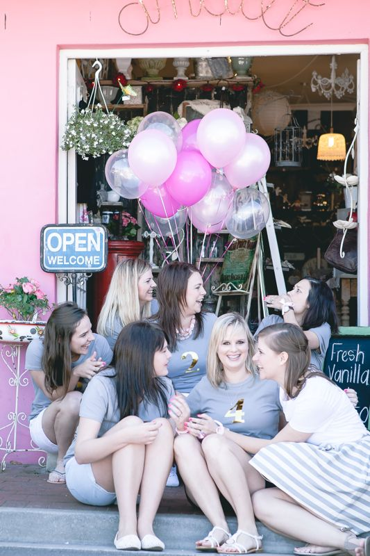 ladies-bachelorette-party-pink-balloons