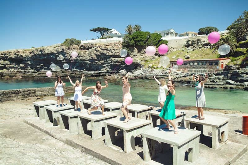 ladies-bachelorette-weekend-pink-balloons