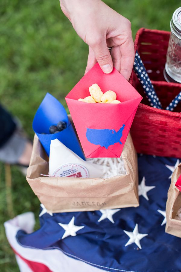july-4th-red-white-blue-kid-family-picnic-astrobrights-paper-usa-chip-bags-diy