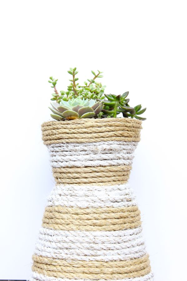 diy-rope-hourglass-striped-planter