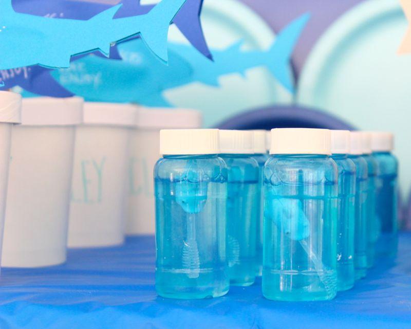 shark-bubbles-blue-ocean-party