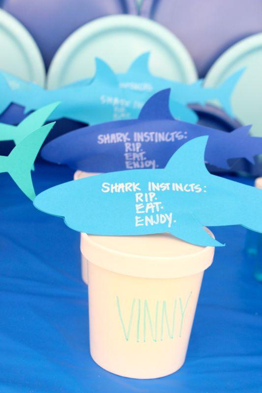 shark-party-favor