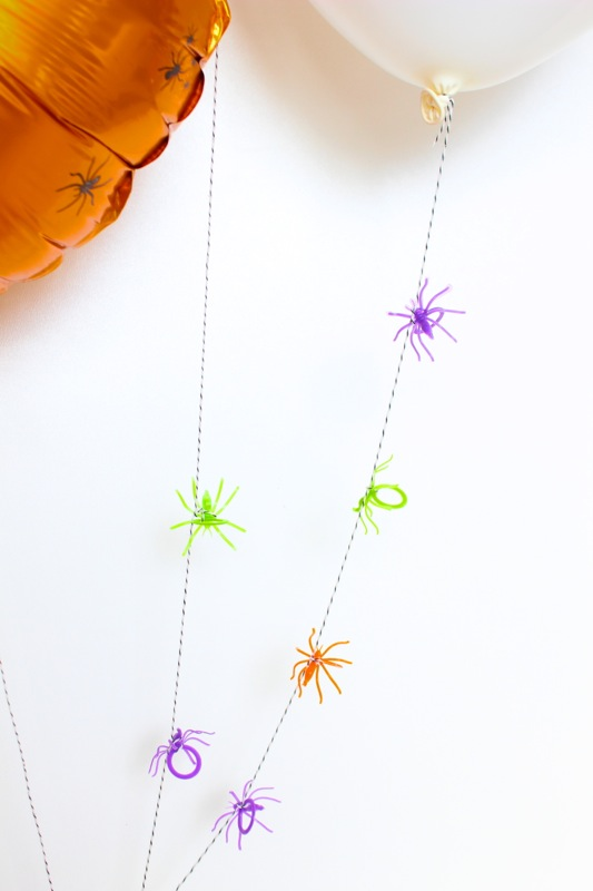 diy-spider-ring-balloons
