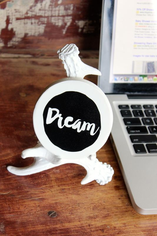 desk-accessory-coffee-coaster-antler-white-black-quotes-diy-gift-dream