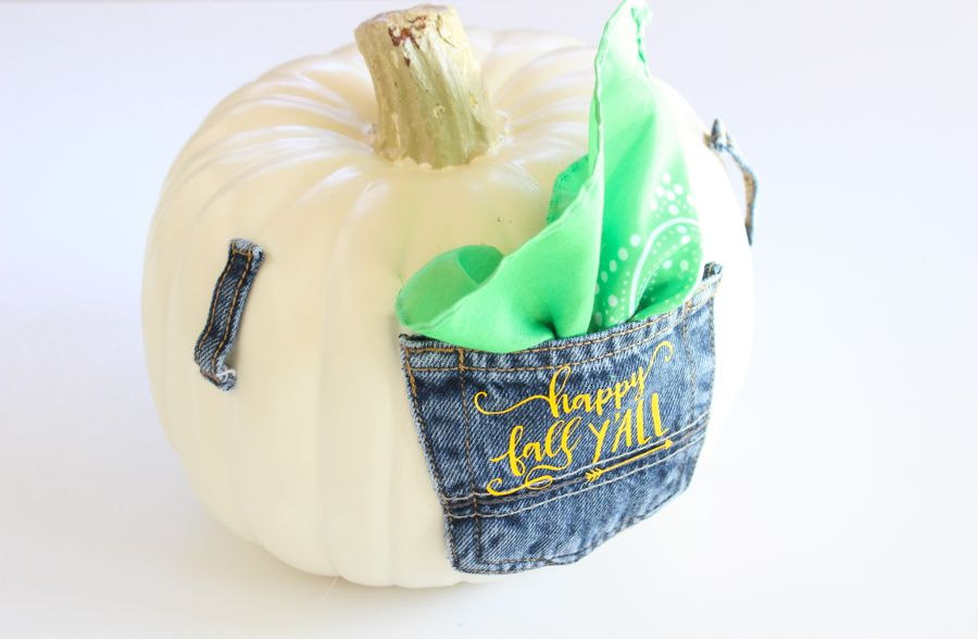 diy-punpkin-with-a-jean-pocket-bandana