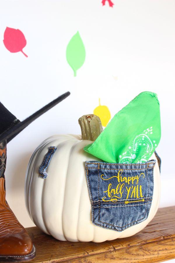 white-pumpkin-happy-fall-y'all-jean-pocket