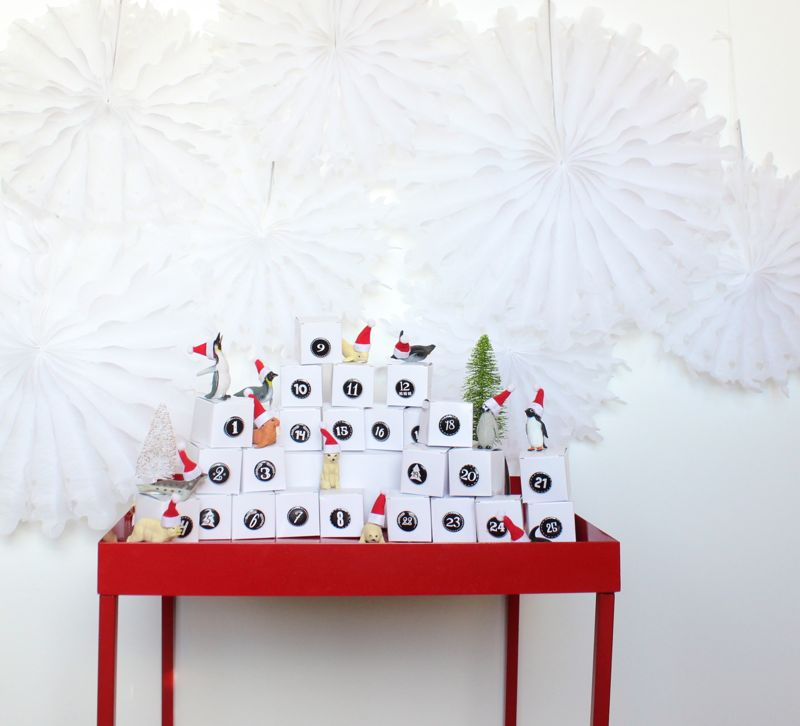 black-white-numbers-diy-advent-calendar-mini-santa-hats-toy-animals