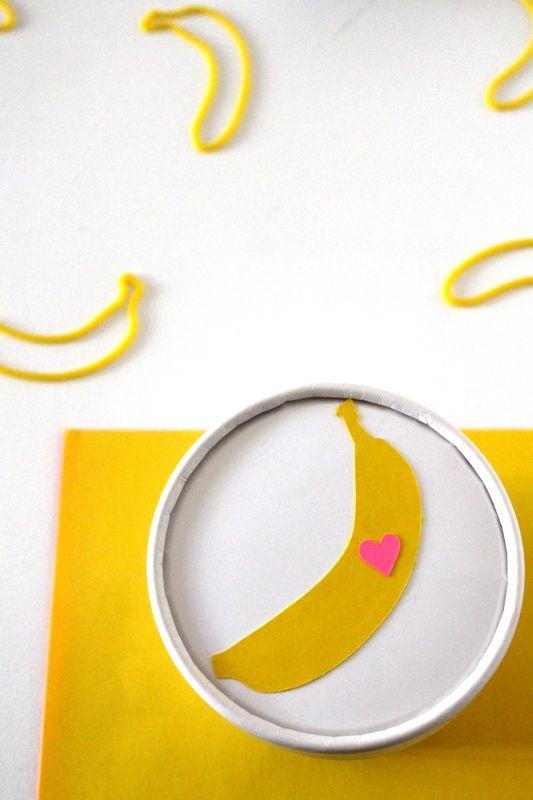 banana-peel-me-placemat-kid-party-silly-bandz-banana-ice-cream-pint