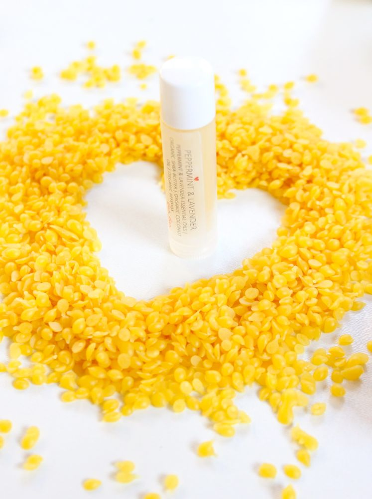 diy-lip-balm-with-yellow-beeswax-pellets