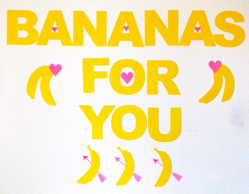 bananas-for-you-kid-party-valentines-day-diy-yellow-banana-pink-hearts