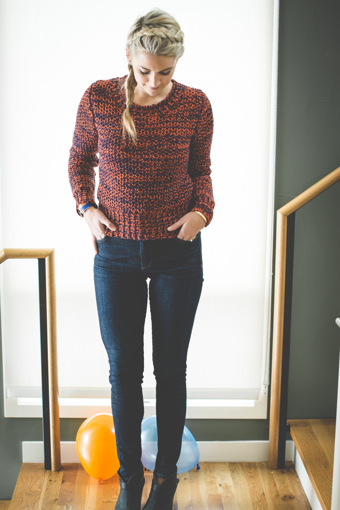 blue-sweater-woman-orange-white-jeans-fashion-knit-sweater