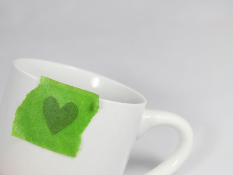 diy-white-black-heart-mug