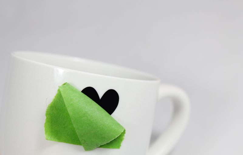 black-white-heart-mug-diy-vinyl