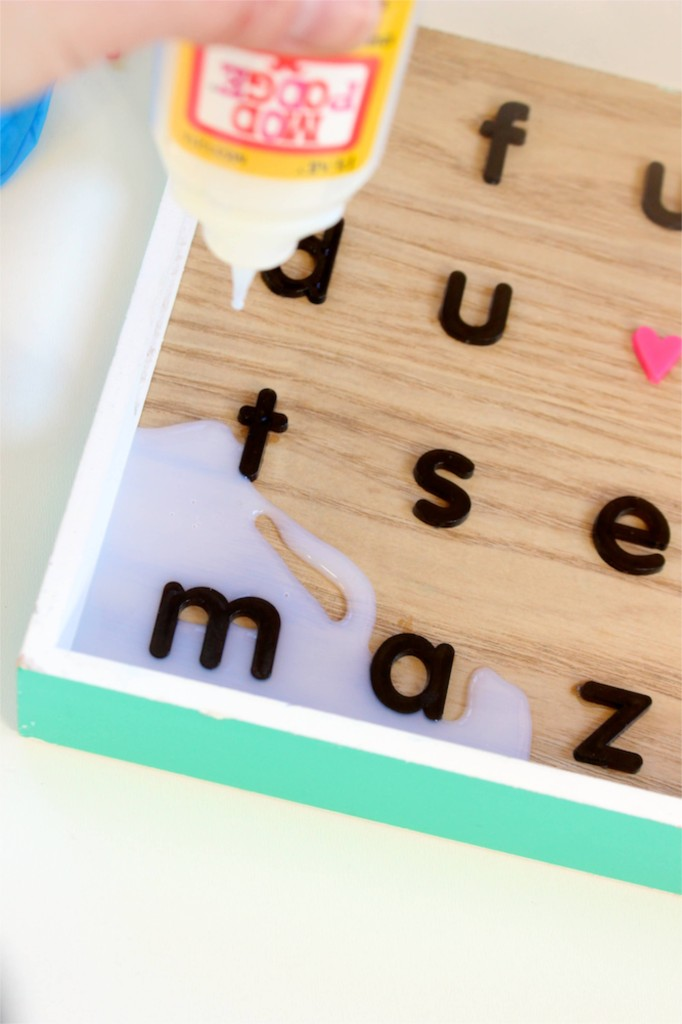 dimensional-magic-diy-tray-with-black-letters-and-a-pink-heart