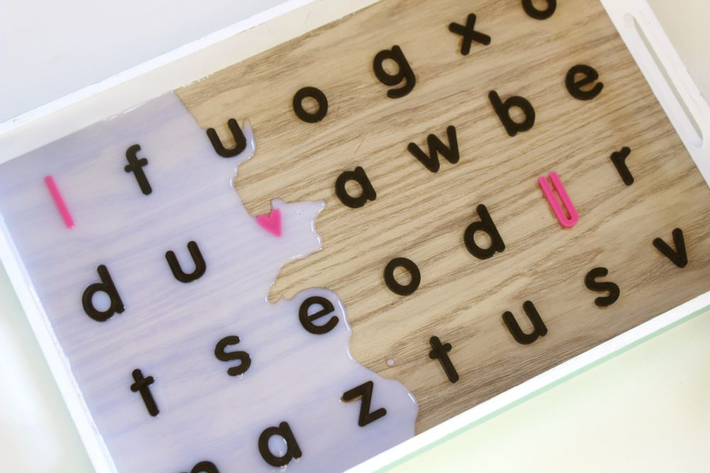 dimensional-magic-on-a-tray-with-black-letters-and-a-pink-i-heart-you